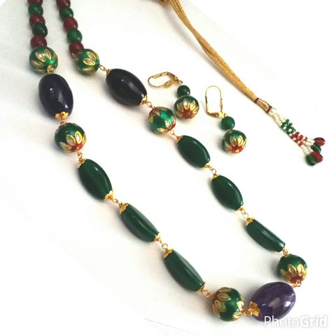 Enamelled and natural stone traditional necklace set