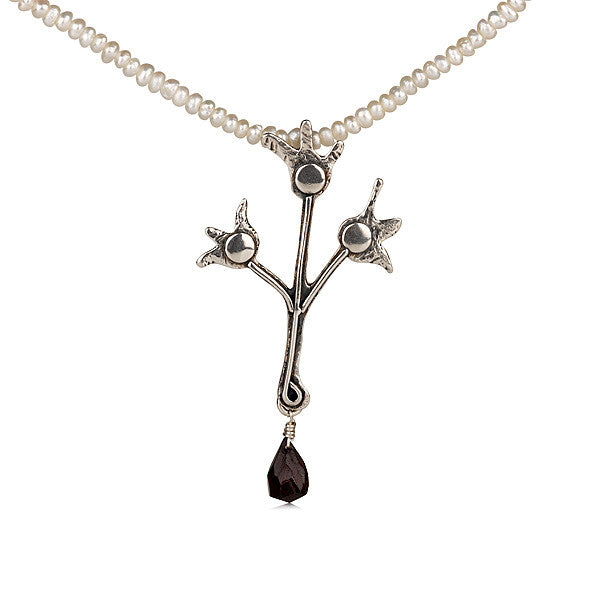 Half Shekel Pearl Necklace with Garnet