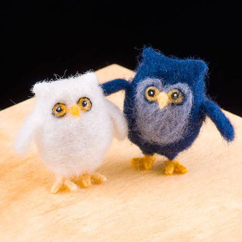 Owl dry felting kit by Woolpets.