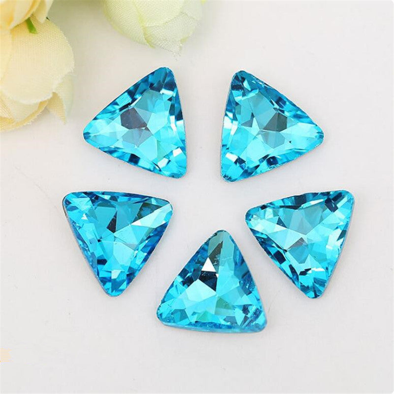 14mm Aqua Glass Triangle Pointback Chatons Rhinestones - 10pcs