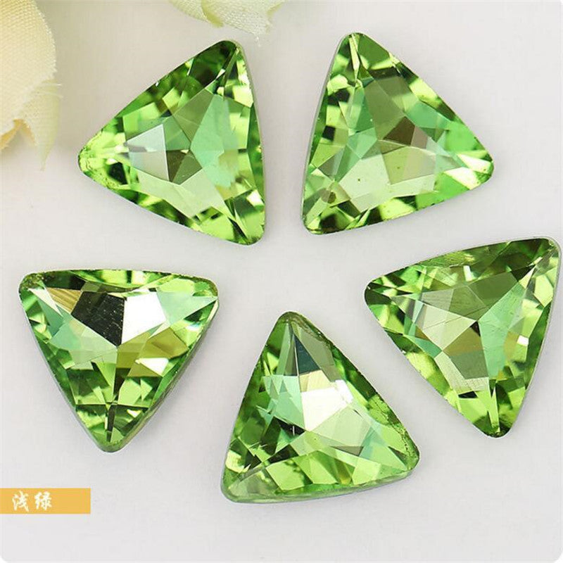 14mm Light Green Glass Triangle Pointback Chatons Rhinestones - 10pcs