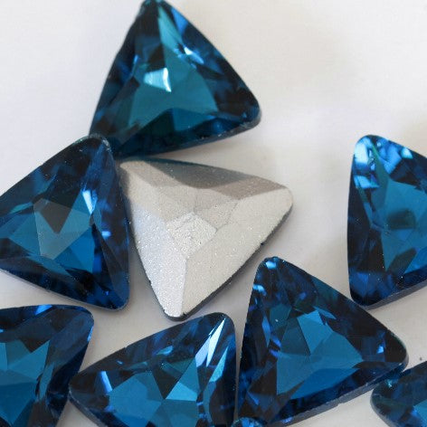 14mm Dark Aqua Glass Triangle Pointback Chatons Rhinestones - 10pcs