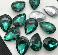 13x18mm Emerald Green Glass Teardrop Pointback Chatons Rhinestones - 10pcs