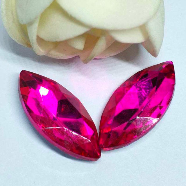 9x18mm Fuchsia Glass Marquis Pointback Chatons Rhinestones - 10pcs