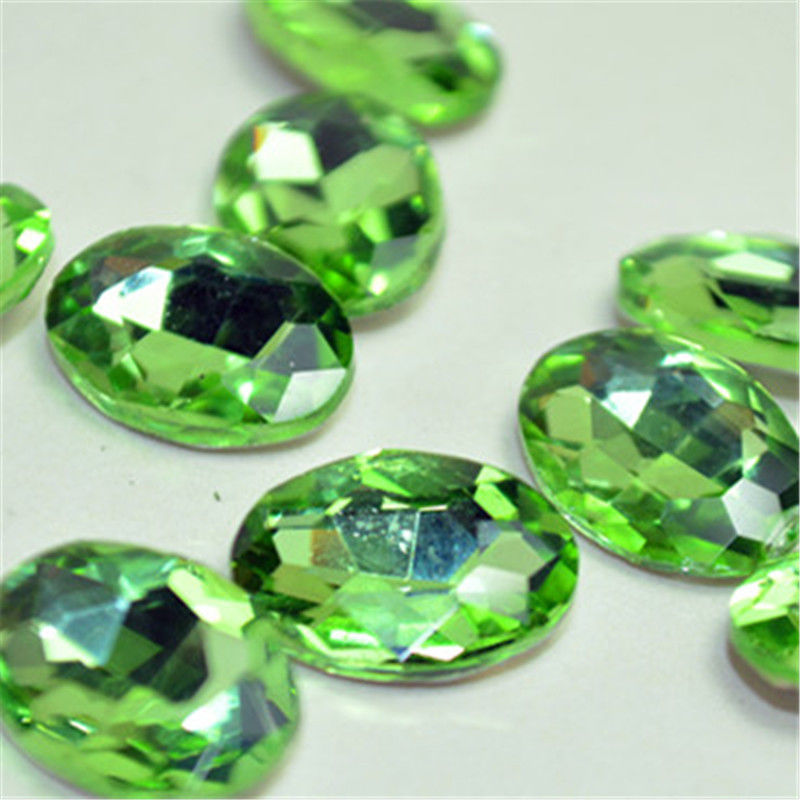 10x14mm Light Green Glass Oval Pointback Chatons Rhinestones - 10pcs