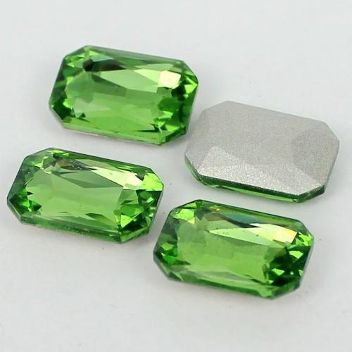 10x14mm Light Green Glass Emerald Pointback Chatons Rhinestones - 10pcs