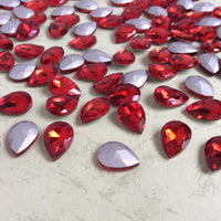 13x18mm Red Glass Teardrop Pointback Chatons Rhinestones - 10pcs