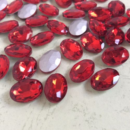 13x18mm Red Glass Oval Pointback Chatons Rhinestones - 10pcs