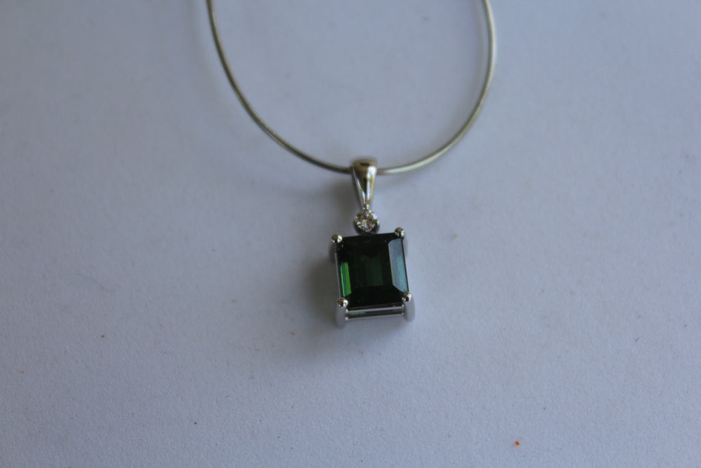 Green Tourmaline Pendant in 14 kt. White Gold with Diamond accent