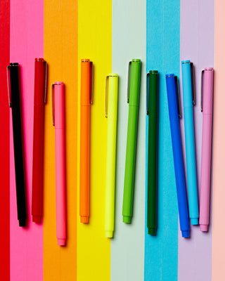 This Le Pen 10-pack comes in a variety of rainbow colors.