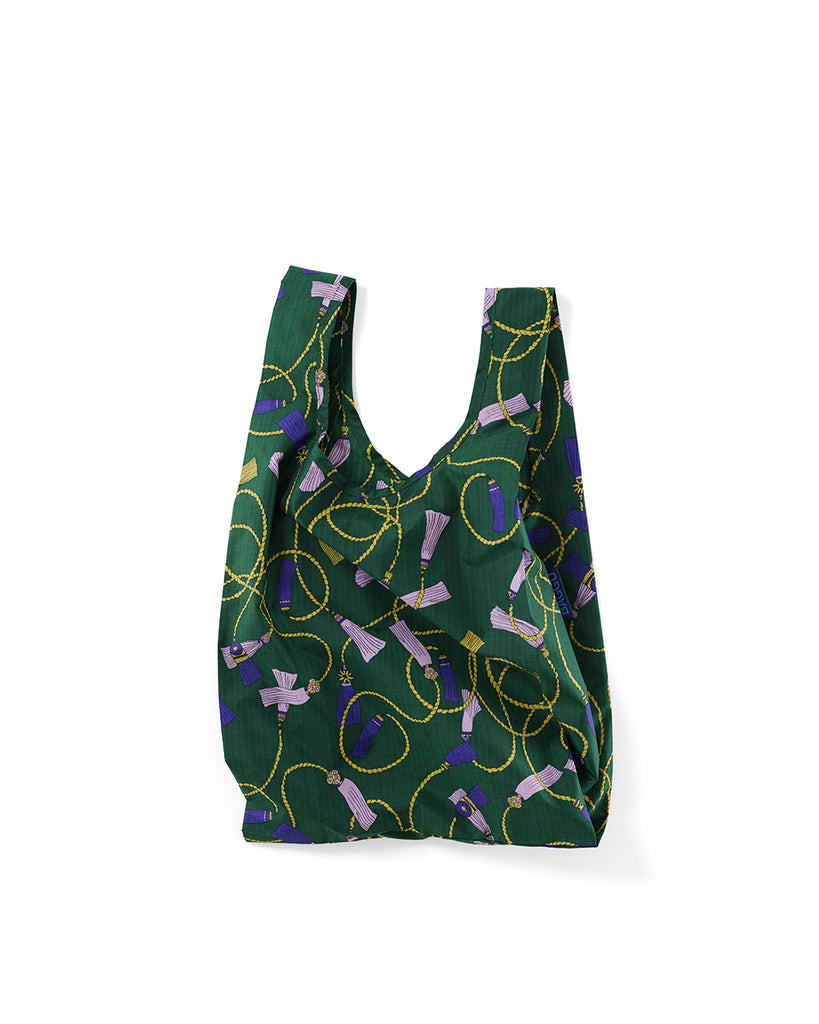 This baby baggu now comes in a green tassel pattern.