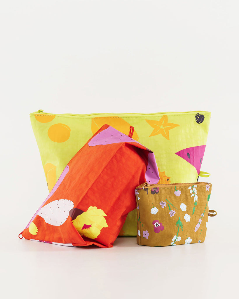 set of 3 pouches, various sizes and various colors featuring a summer pattern