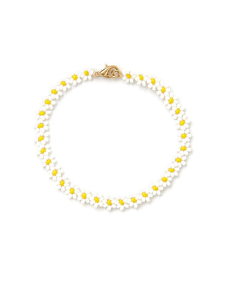 white daisy beaded bracelet
