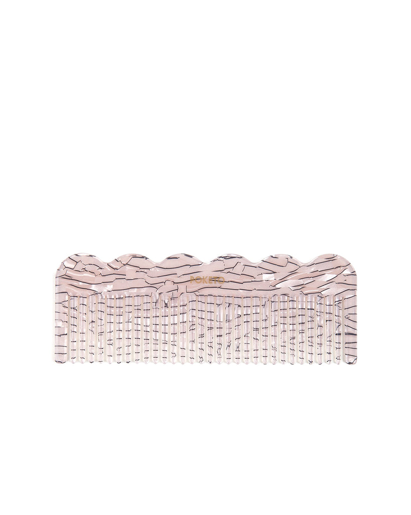This wave comb comes in a natural-colored striped pattern.