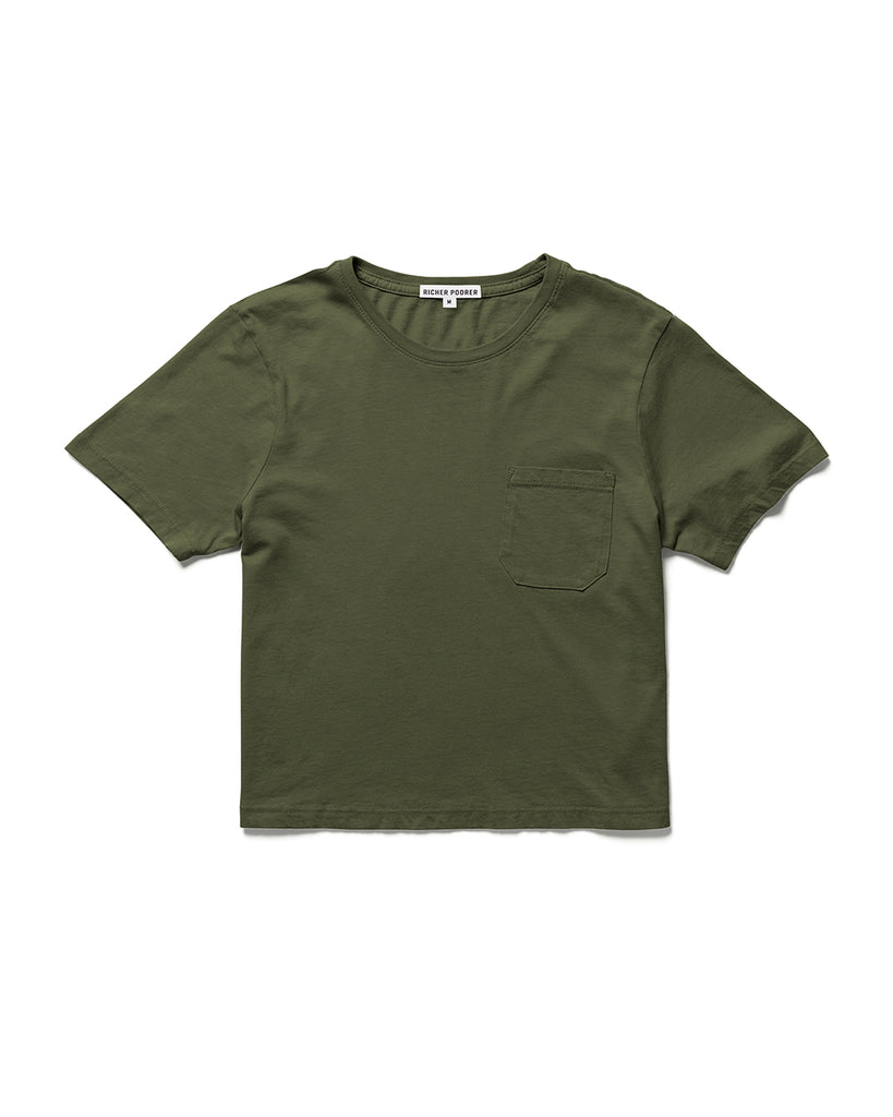 Boxy crop tee in green.
