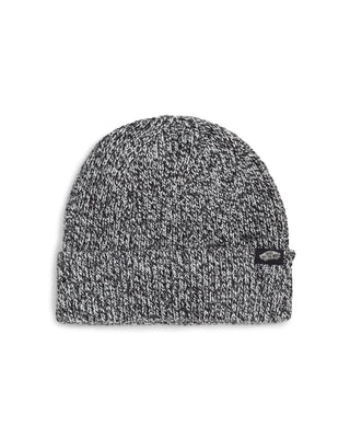 Beanie in black and marshmallow.