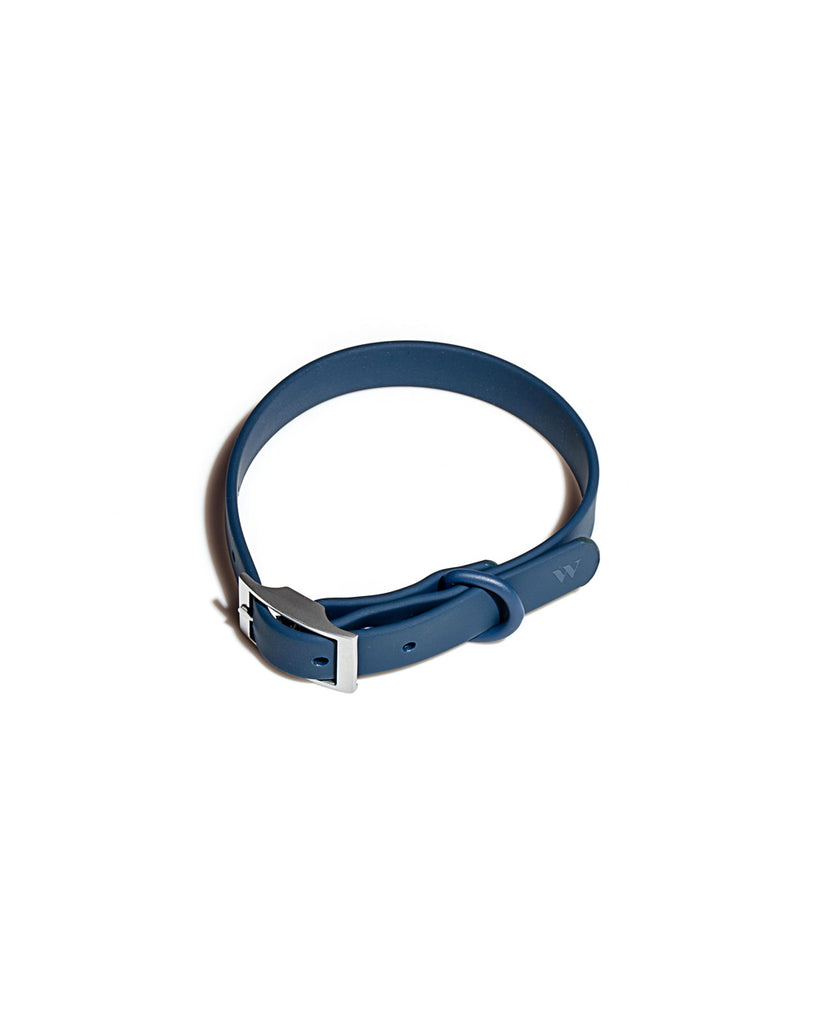 This pet collar by Wild One comes in a navy blue color.