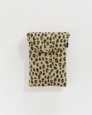 8-inch tablet sleeve in honey leopard print