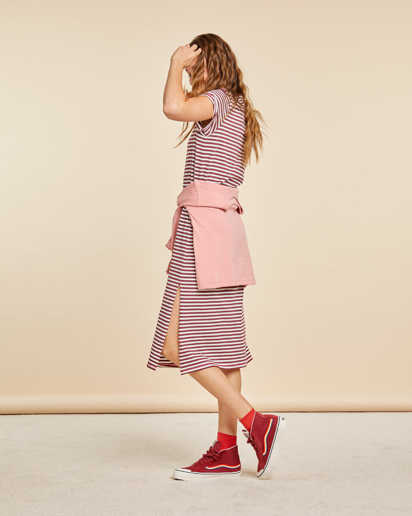 Short sleeve tshirt dress in yarn-dyed stripes.