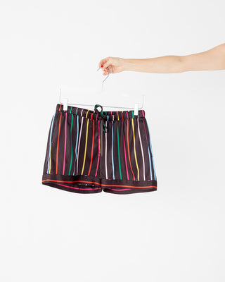 Leisure short in disco stripe.