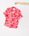 Silk short sleeve leisure shirt in potpourri pattern.