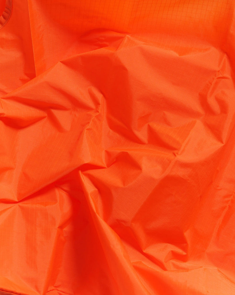 detailed image of orange baggu material