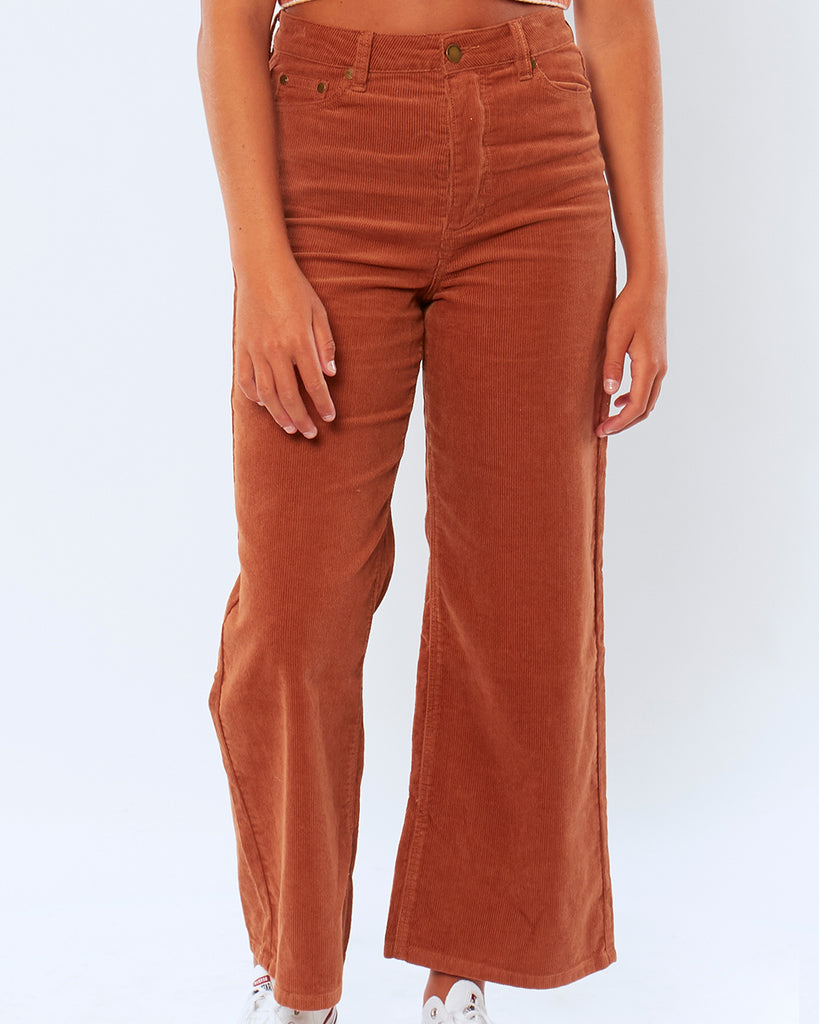 on figure shot of henna poppy cord woven pant