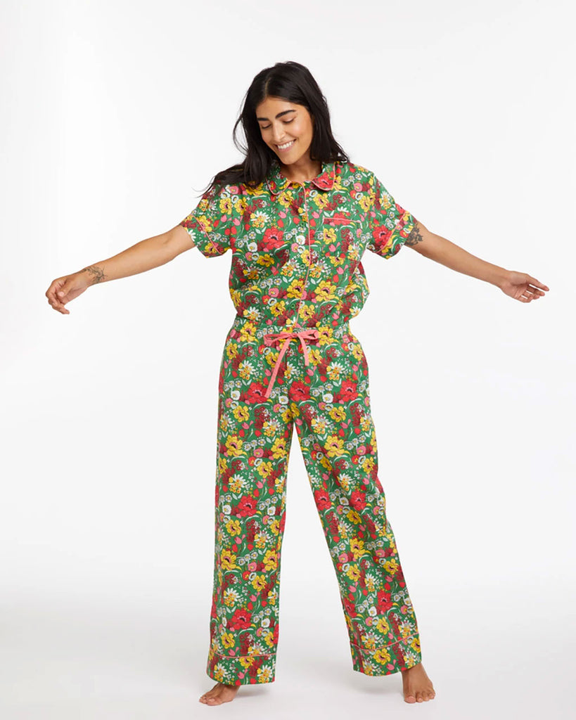 short sleeve leisure shirt with an all over emerald floral pattern paired with matching leisure pants