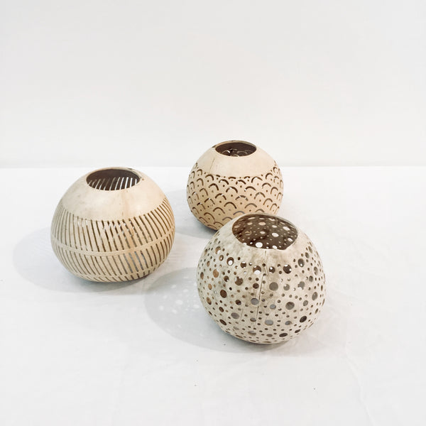 COCONUT CANDLE HOLDERS