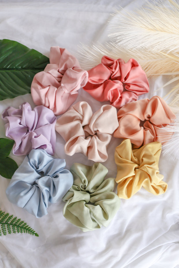 Satin Scrunchie – Cream