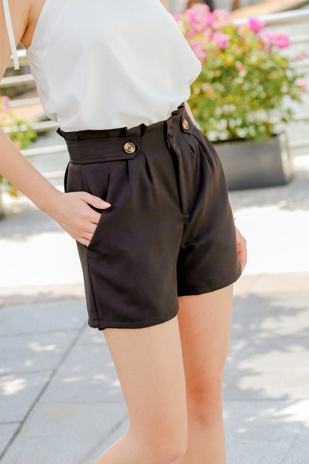Clairey Button Shorts – Black