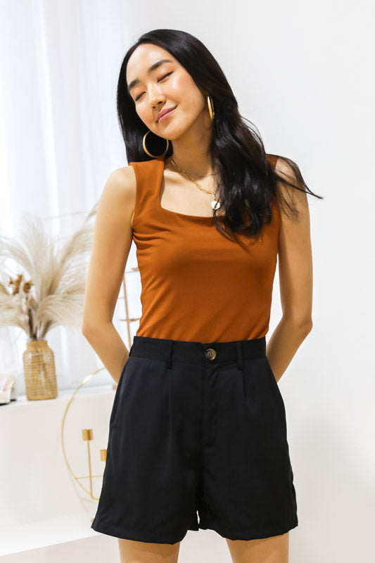 Luna Straight Cut Top – Tan