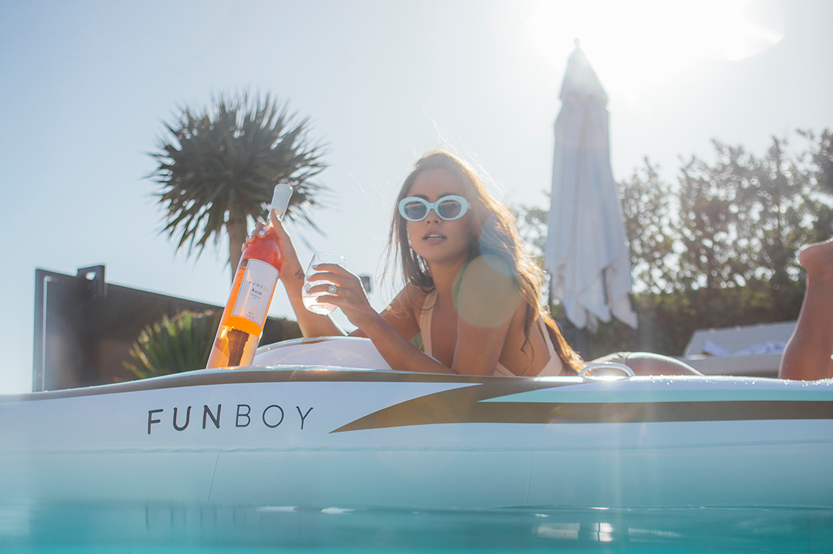 FUNBOY-Rose-Wine-+-Yach-Pool-Float