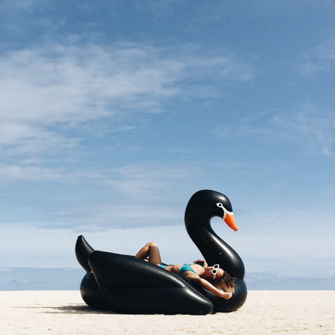 FUNBOY Black Swan Pool Float