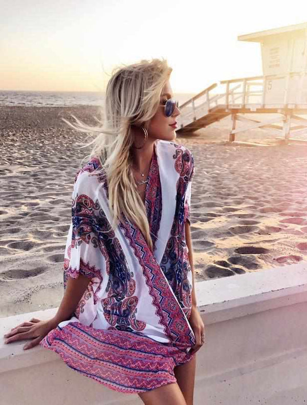 KT The Blondie hits the dunes in our kimonos!