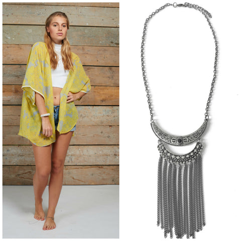 Casual and fun kimono with necklace