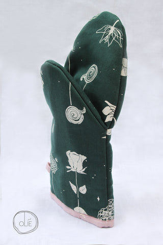 Planet of Roses Oven Mitt
