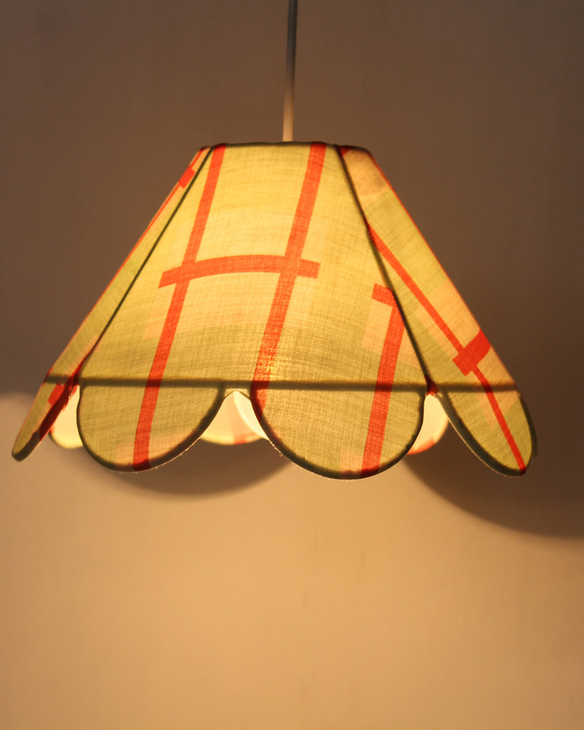 Checked Scalloped Lamp