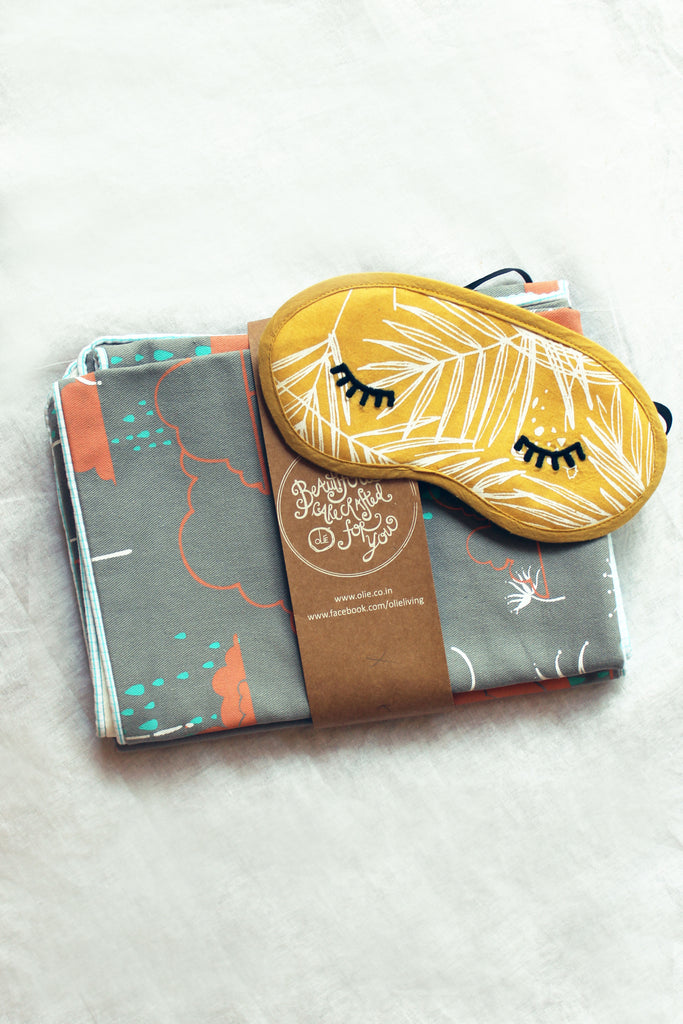 Raindance Pillowcases + Eye mask set