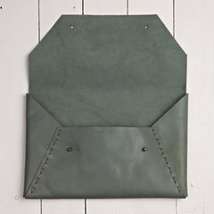 Riveting Clutch Jade