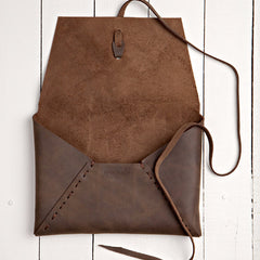 Istanbul Clutch Oil Tanned