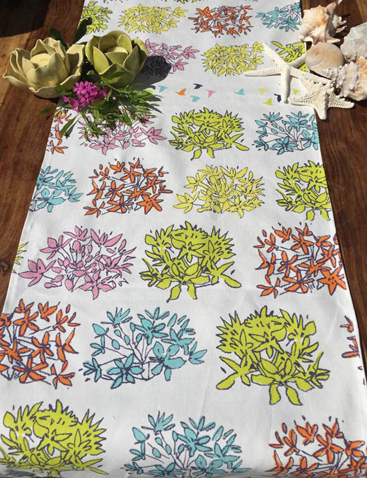 Dot to Dot Allium Table Runner