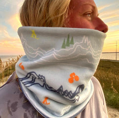 Mountain Reversible fleece Neck warmer.