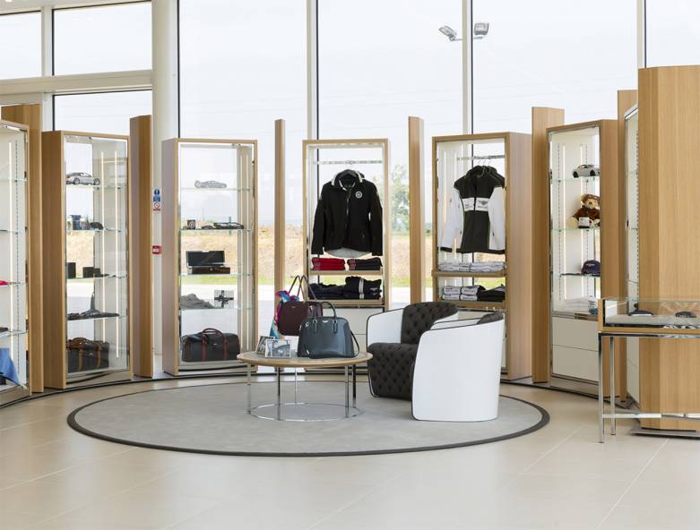 b&b italia retail project