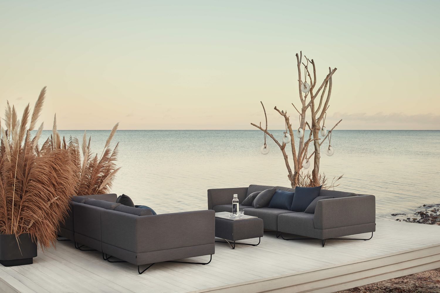 orlando outdoor sofa bolia