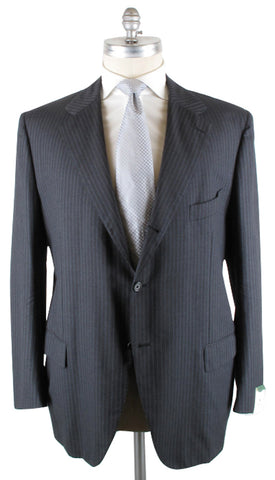 Luigi Borrelli Gray Suit – Size: 60 US / 70 EU