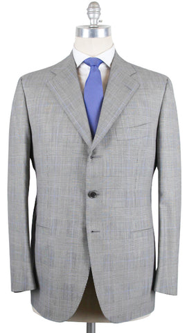 Cesare Attolini Light Gray Suit – Size: 44 US / 54 EU