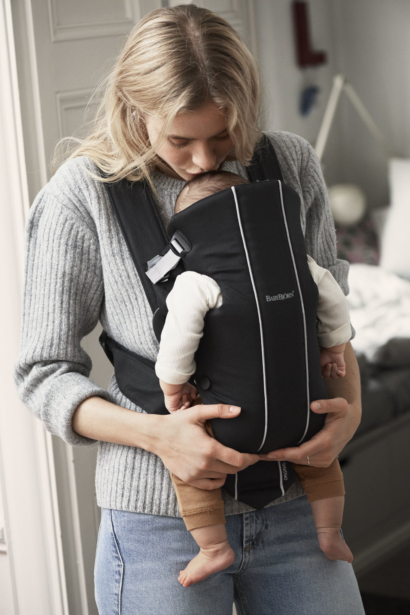 e13d96f6156 מודיעין BabyBjörn Baby Carrier Original- Black, Spirit – Mom 2 Be XQ-42