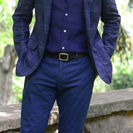 https://www.sartoriale.com/blogs/news/three-ways-to-wear-navy-blue-chinos