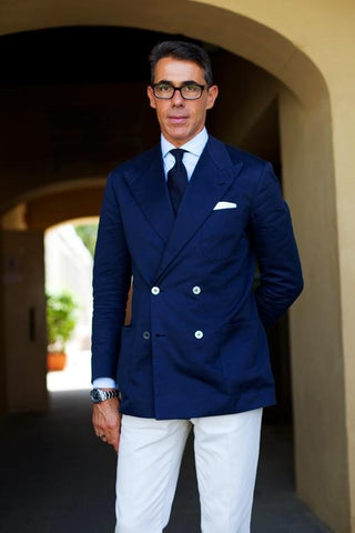 How to wear a navy blazer for men